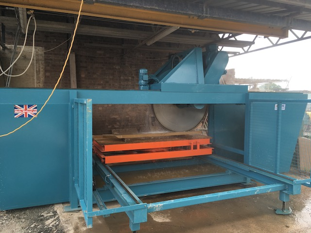 Wells Wellcut 1400 automatic stone saw